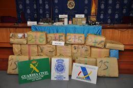 Incautados 1.225 kilos de hachís y desarticulado un grupo dedicado a introducir droga en Canarias