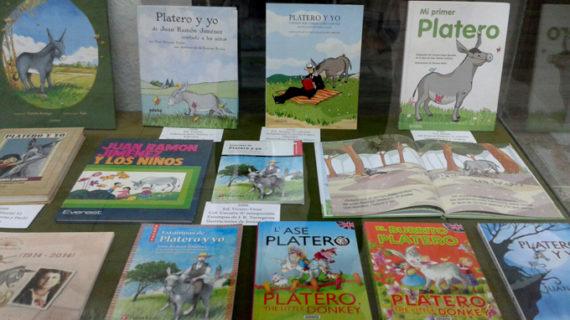 Astorga acoge una exposición con más de 200 ejemplares de 'Platero y yo'