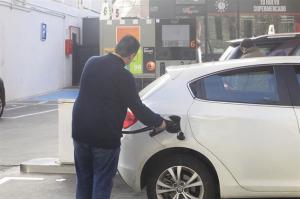 El precio de la gasolina sube. / Foto: Europa Press.