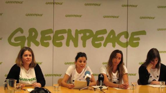 Elena Anaya y Gemma Mengual viajan al Ártico para pedir su protección