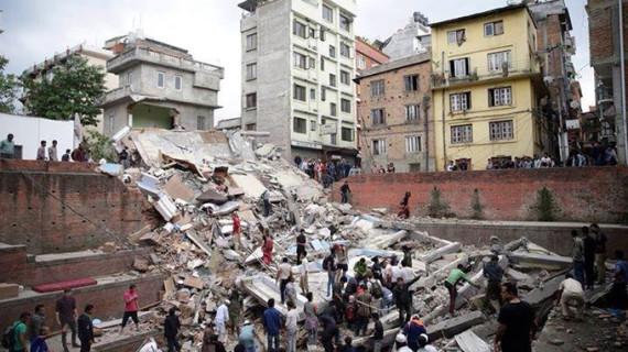 Cruz Roja Española envía material de ayuda para las víctimas del terremoto de Nepal