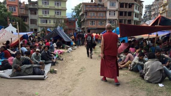 El avión español con ayuda humanitaria sale para Nepal
