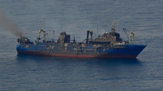 Fomento enviará un segundo robot a Canarias para sellar las fisuras del pesquero ruso