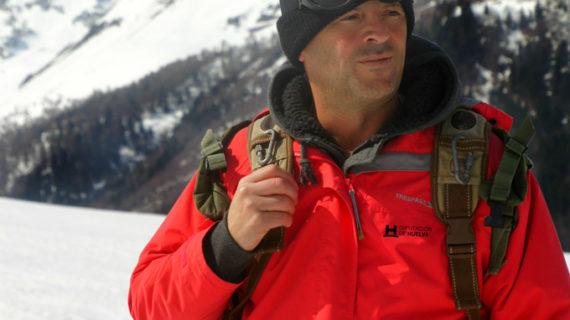 El español Luis Manuel Bejarano atraviesa los Alpes acompañado de  burros