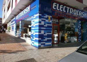 Una de las tiendas de Electrocash.