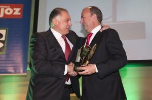 Piñero recibiendo el Premio Empresario de Badajoz 2014.