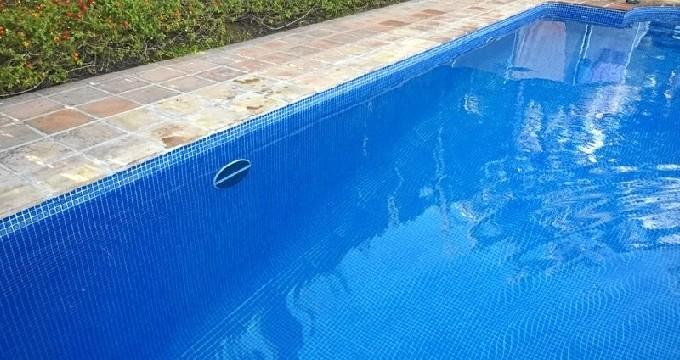 Rescatan a una niña de 11 años con síntomas de ahogamiento de una piscina de Benidorm