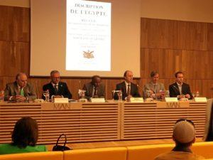 presentación_Description de l'Egypte_mesa