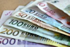 Elevada demanda en la subasta del Tesoro. / Foto: Europa Press.