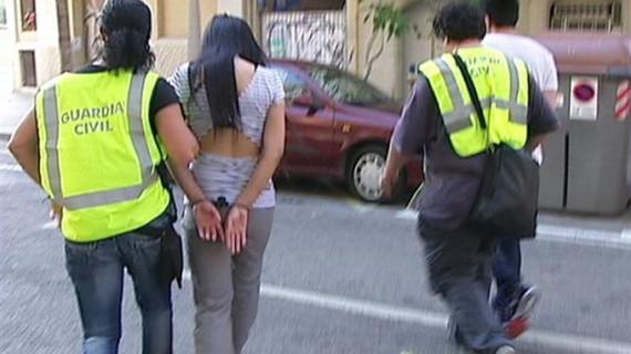 La Guardia Civil libera a 20 mujeres obligadas a prostituirse en Barcelona