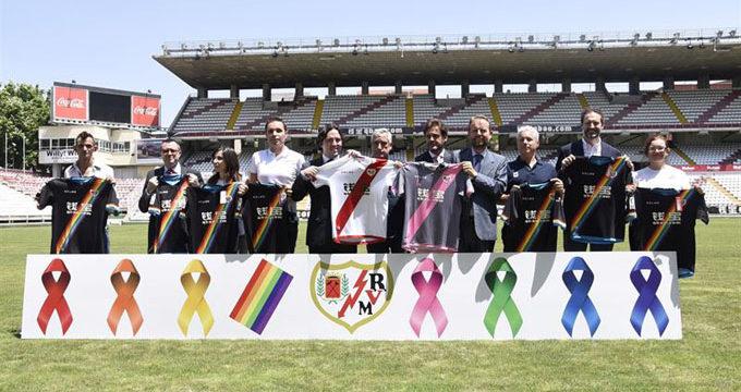 El Rayo Vallecano vestirá una franja arcoíris en su segunda equipación para luchar contra la homofobia