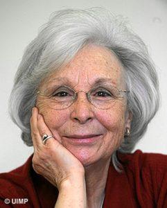 Josefina Molina.