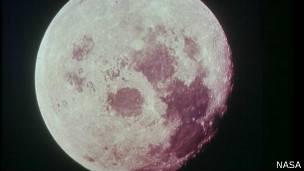 Con la luna azul
