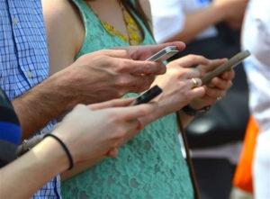 Las convocatorias podrán consultarse desde cualquier lugar a través del móvil. / Foto: Creative Common.