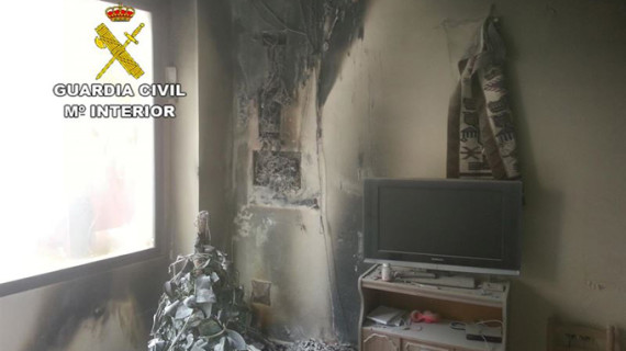 Rescatado un octogenario impedido tras quedar atrapado en su casa durante un incendio