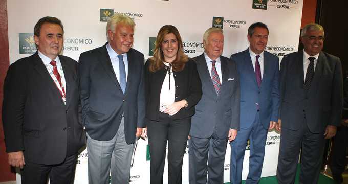 Caja Rural del Sur reúne a destacadas personalidades para analizar el futuro económico del país