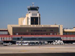 La mujer ha sido detenida en el aeropuerto de Madrid.