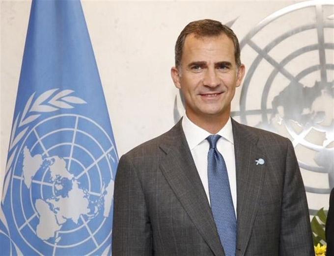 """El Rey, primer embajador de honor del Camino, promete impulsar los valores de una vía universal que """"une"""" y """"suma"""""""
