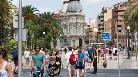 Los turistas extranjeros gastaron un 6,3% más hasta septiembre