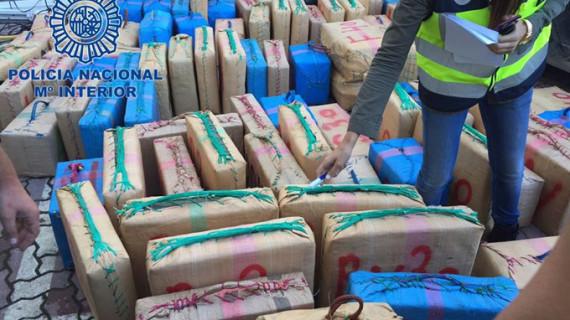 Intervenidas en el municipio gaditano de La Línea 3,6 toneladas de hachís localizadas en vehículos robados