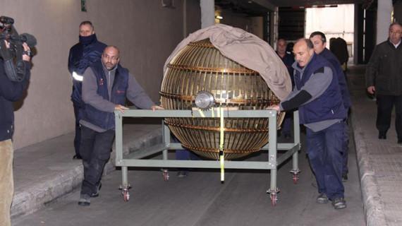 Los bombos que repartirán la suerte en el Sorteo de Navidad llegan al Teatro Real de Madrid