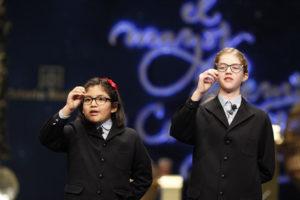 Las niñas de San Ildefonso cantando los números. / Foto: Europa Press.