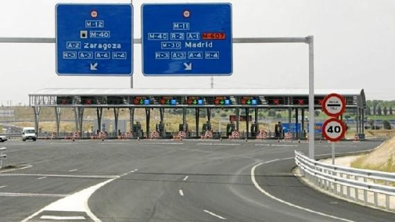 El peaje de las autopistas bajará un 0,6% en 2016, su primer descenso en 15 años