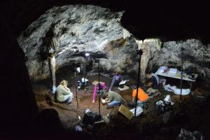 Sondeos en la Cueva de Ardales.