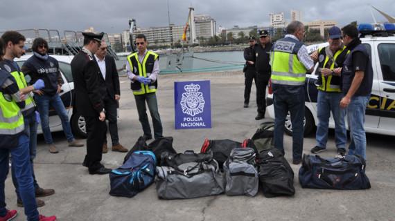 Incautada más de media tonelada de cocaína en un abordaje a un velero en el Atlántico