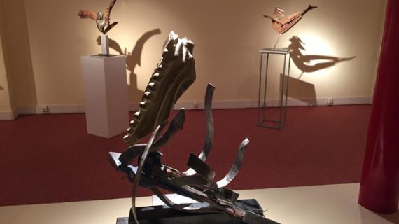 'Acariciando', esculturas de Emilio Sánchez, en el Museo Tiflológico de la ONCE