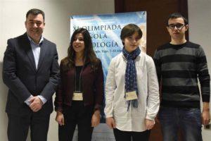 Tania, Marta y Roberto han recibido sus diplomas. / Foto: Xunta de Galicia.