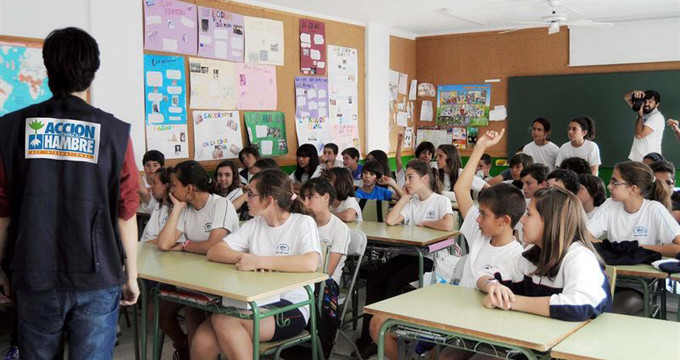 Acción Contra el Hambre acerca el tratamiento contra la desnutrición a más de 87.000 alumnos de 210 colegios españoles