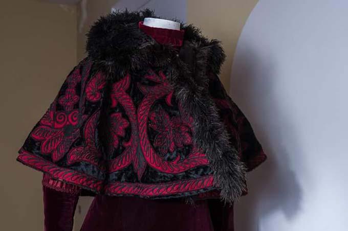 El Museo del Traje de Morón de Almazán presenta la exposición 'Un paseo por la gran moda desde el s. XVIII'