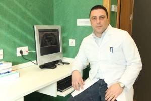 El profesor de Dentistry de la Universidad CEU Cardenal Herrera, Salvatore Sauro, que ha dirigido el estudio junto a investigadores de otras tres universidades europeas.