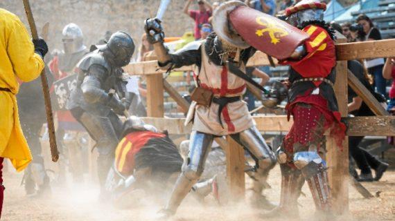 Últimos preparativos para que comience el II Torneo Internacional de Combate Medieval en Cuenca