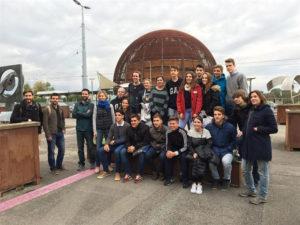 Los jóvenes durante el viaje al CERN. / Foto: Europa Press.