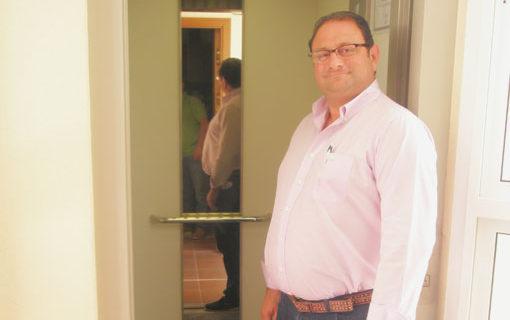 La instalación de 10 ascensores permite mejorar la calidad de vida de 200 familias de la Granja