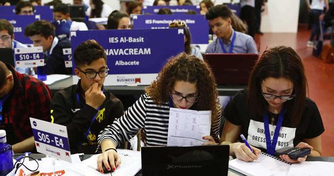 Más de 10.000 estudiantes españoles participan en la VII Young Business Talents sobre empresarios virtuales