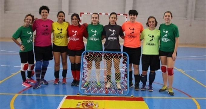 """España ya tiene selección femenina de Tchoukball, """"el deporte de la paz"""", y aspira a jugar el campeonato de Europa"""