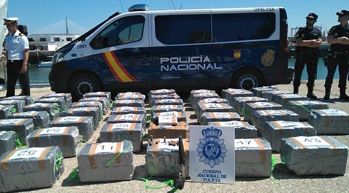 Interceptan en alta mar un velero cargado con 1.500 kilos de cocaína