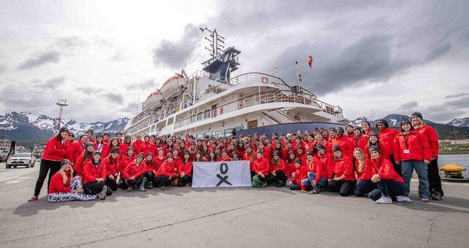 Siete científicas españolas participan en la mayor expedición femenina a la Antártida