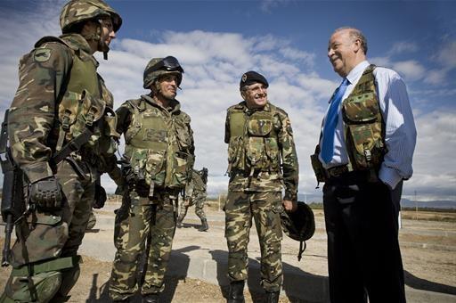 Vicente del Bosque, David Cal, Ruth Beitia, Fermín Cacho y Javier Fernández, Reservistas de Honor del Ministerio de Defensa