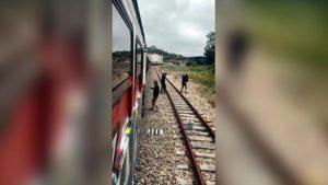 Los detenidos pintaban con grafitis los vagones de trenes.