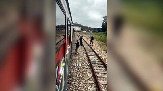 Detienen a un grupo delictivo de grafiteros por supuestos daños en más de 2.000 trenes en Europa