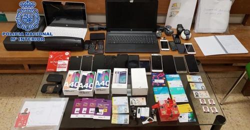 Siete detenidos tras desmantelar una organización criminal dedicada a obtener microcréditos online de manera fraudulenta