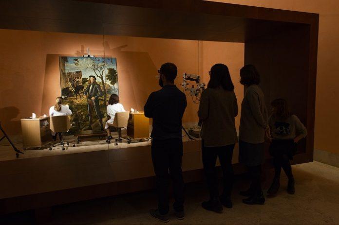Restauran en directo una pintura de Vittore Carpaccio
