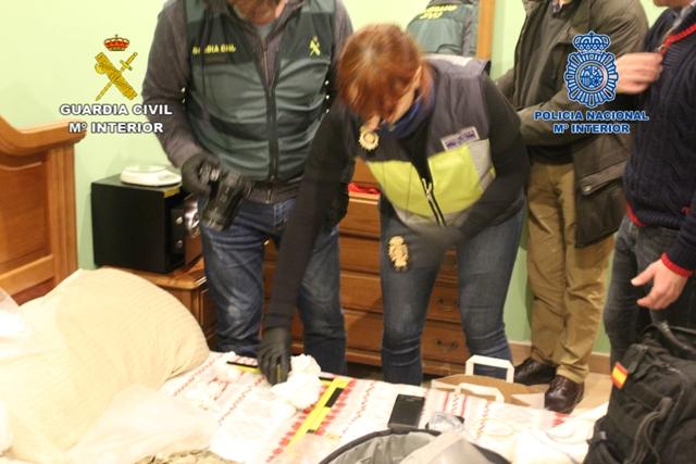 Detenidos 11 narcos que ocultaban la droga enterrándola en bosques de Galicia