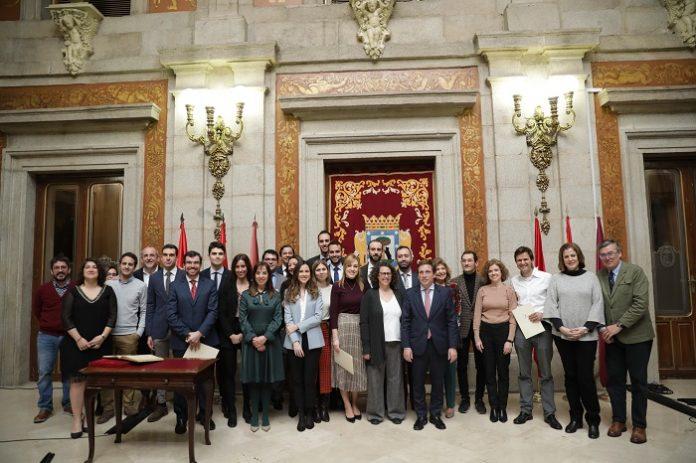Madrid ofertará más de 8.300 plazas de empleo público en dos años