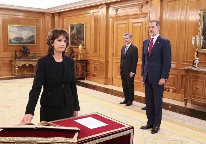 La nueva fiscal general del Estado promete su cargo
