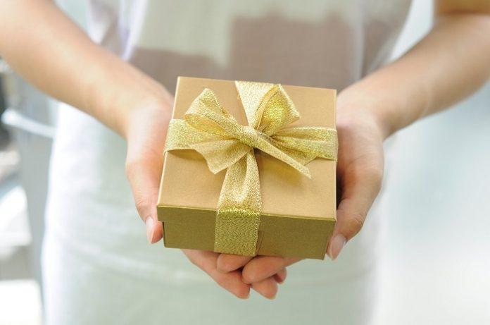 Objetos que hablan de tu marca: los regalos de empresa